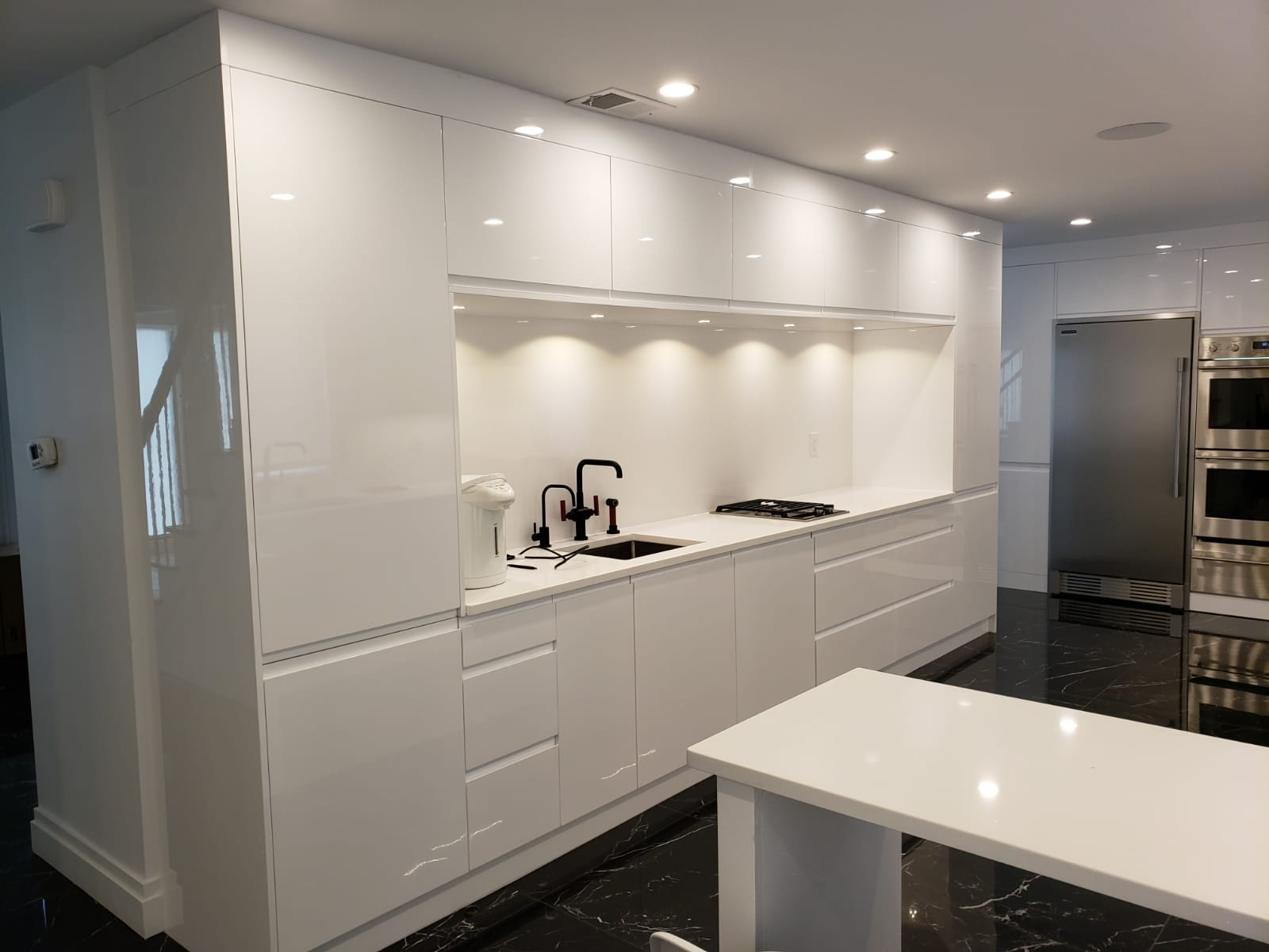 White Moderm Kitchen